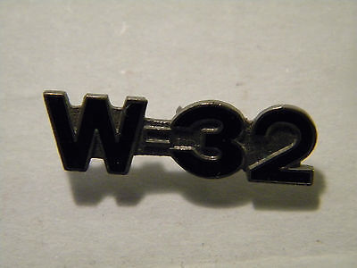 Oldsmobile  W-32 Emblem  Hat,lapel Pin