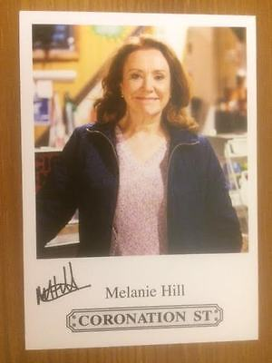 "Melanie Hill Coronation Street Pre-Printed Signature Cast Card 6"" X 4""."