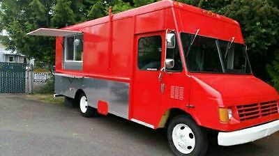 1 Food truck fully equipped kitchen trailer bbq burger wings ready to work