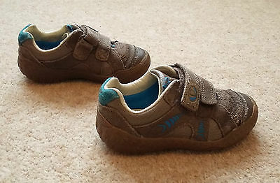 Boys Clarks Stompo dinosaur leather velcro shoes, brown & blue, Size 7.5F infant