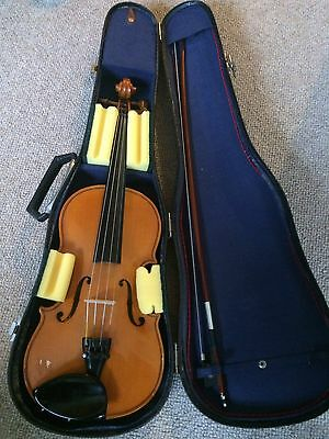 Andreas Zeller Stentor 3/4 Violin with Dominant Strings Bow Case Outfit