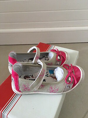 Chaussures fille T 25 - Ballerines Babies cuir ORCHESTRA - Neuves étiquettes
