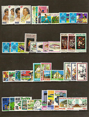 Small collection 100 stamps NIUE