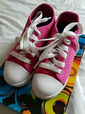 Girls Pink Heelys Size 12 UK Like New in Box