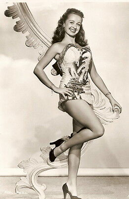 Noel Neill Smiling 8x10 Picture Celebrity Print