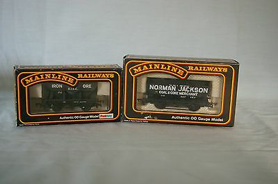 2x Airfix GMR Private Owner 7 Plank Wagons