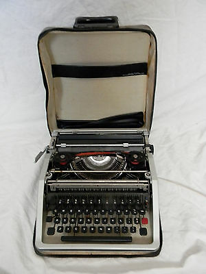 Vintage Olivetti Lettera Portable Typewriter & Case For Parts