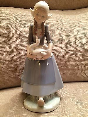 Lladro 'Dutch Girl with Duck' 1980 Retired 1990