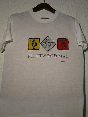 "Fleetwood Mac Lot Tour Program + 2 T-Shirts + 2 Badges + Promo CD ""Big Love"""