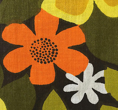 1960s/1970s VINTAGE COTTON FABRIC - FAB FUNKY FLOWER DESIGN
