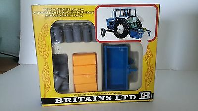 Britains 9545 Tipping Transporter And Loads