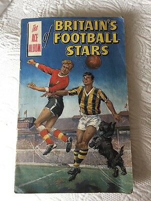 """THE ACE ALBUM OF BRITISH FOOTBALL STARS 1963 """"THE ROVER & WIZARD COMICS signedx1"""