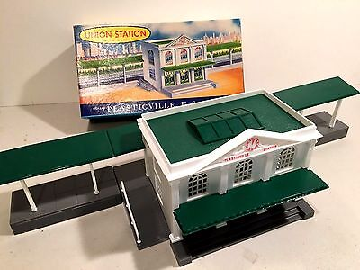 Plasticvlle O scale, Union Station, Nice Box and piece. Complete