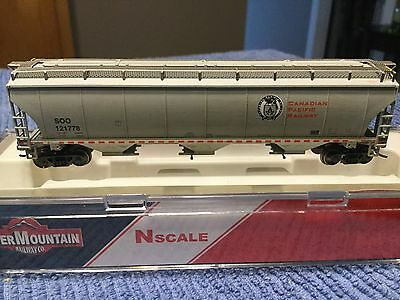CP / SOO Intermountain N scale 5161 cu ft Trinity covered hoppers light weather