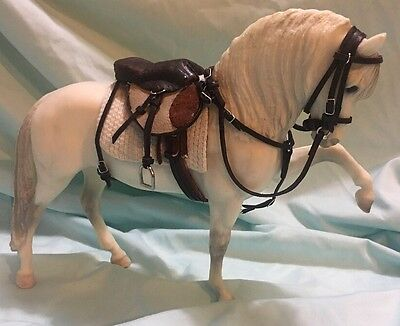 CM (1:9) Traditional Scale Model Horse English Saddle Set Peter Stone Breyer