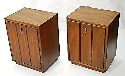 Pair 2 Walnut Nightstands Cabinets Mid Century Modern Side End Tables Bedroom