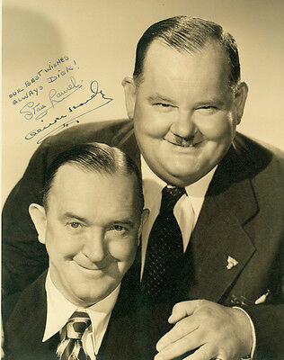 Signed Photograph Stan Laurel & Oliver Hardy Black & White 5 x 7 Photo