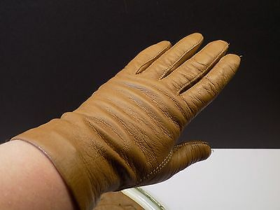 Vintage Ladies Size 7 High Quality Soft Leather Above Wrist Tan Driving Gloves