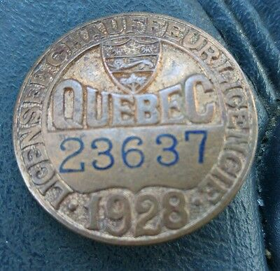 Collectible vintage 1928 Quebec Chauffeur licence badge