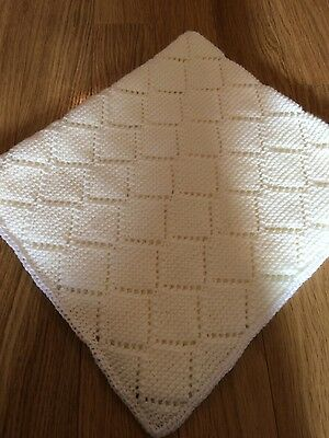 NEW gorgeous hand knitted unisex baby blanket