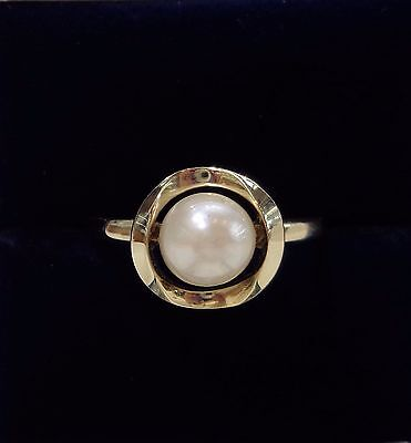 Vintage c.1973 Cultured  Pearl Ring in 9ct Yellow Gold - Large Size R 1/2