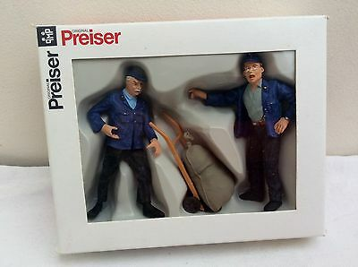 PREISER  G Gauge Figures -  45098 2 Delivery Men with Barrow     BOXED