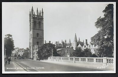 Magdalen Bridge And College, Oxford. Unused. Real Photo.