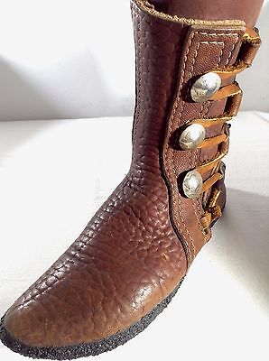 TRUE VINTAGE Buffalo Moccasin Boot Mukluk 6-7 Women Brown Shoe Crepe Sole Nickel