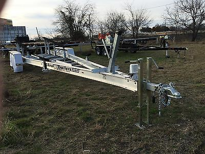 2016, Triple Axel boat trailer, Hydr over Elec brakes, 17,100 lb GVR