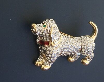 Adorable Vtg Dachshund Weiner Dog brooch In Gold Tone Metal W/crystals