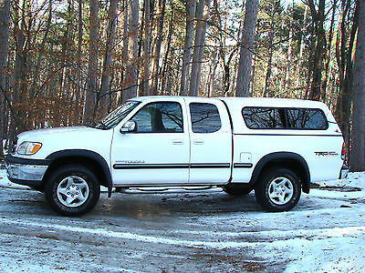2002 Toyota Tundra SR5 Access Cab Pickup 2-Door 2002 Toyota Tundra SR5 -Access Cab Pickup - 4.7L V8 with Topper & Towing Package