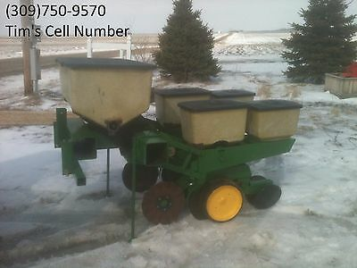 John Deere 2 Row 7000 Corn Planter with Dry Fertilizer no-till coulters