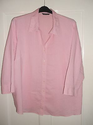 ladies lovely pale pink shirt/ top, lovely condition, size 26
