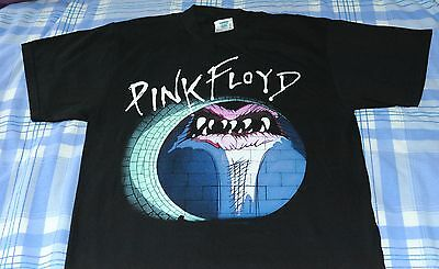 official PINK FLOYD The Wall  t-shirt (Medium) *UNWORN*