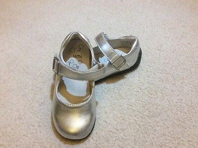 INFANT SILVER LEATHER SHOES size 5