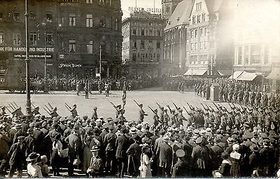 British Soldiers - Camerons Victory Celebration In Cologne Ww1 Military Postcard
