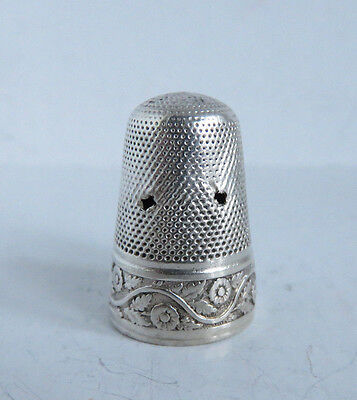 ANTIQUE MID 1800s STERLING SILVER TALL THIMBLE FLORAL BAND