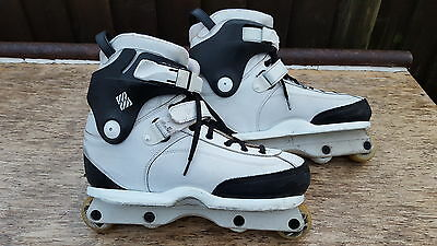 USD Carbon Free aggressive inline skates size 11 white and black + kizer frames