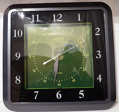 Very nice and big square quartz wall clock with sweeping secnd movement