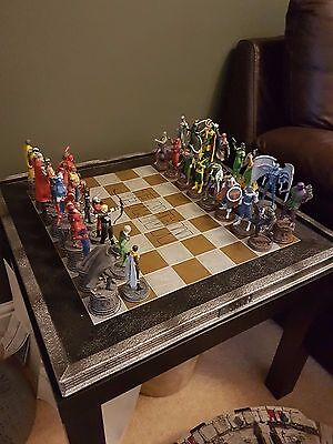 Eaglemoss Marvel Chess Set Spiderman Hulk Iron Man Thor Loki