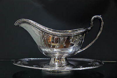 Meriden Britannia Antique c1900 Sterling Silver Sauce Boat and Tray 15 ounces