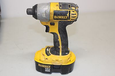 """DeWalt DC825 1/4"""" Cordless Impact Driver with Battery 18V XRP"""