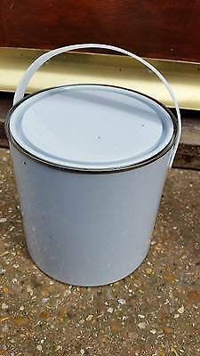 2.5l tin of Jotun Sea Quantum for boat or yacht colour red