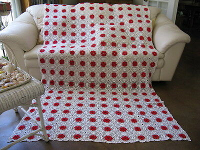 Vintage White Red Floral Crochet Tablecloth Coverlet Twin Full Bedspread 61x101