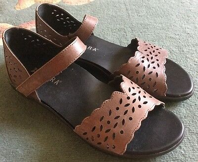 ZIERA Size 36 W (6 Aus) Tan Leather Orthotic Comfort Sandals Near New