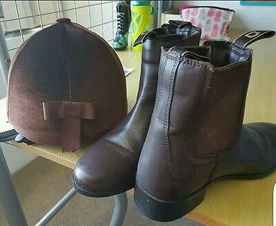 Boots and Helmet For Reading Horses
