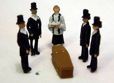 Funeral Scene. OO Scale 1:76 Ready Made and Hand Painted Model. F64p