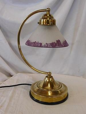 A LOVELY 20th CENTURY ANTIQUE BRASS DESK OR TABLE LAMP