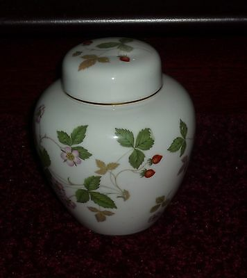 Wedgewood  Wild Strawberry Small Ginger Jar