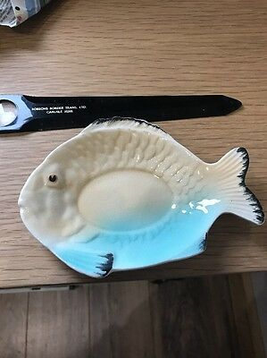 Small Shorter & Son Fish Plate. Yellow/green